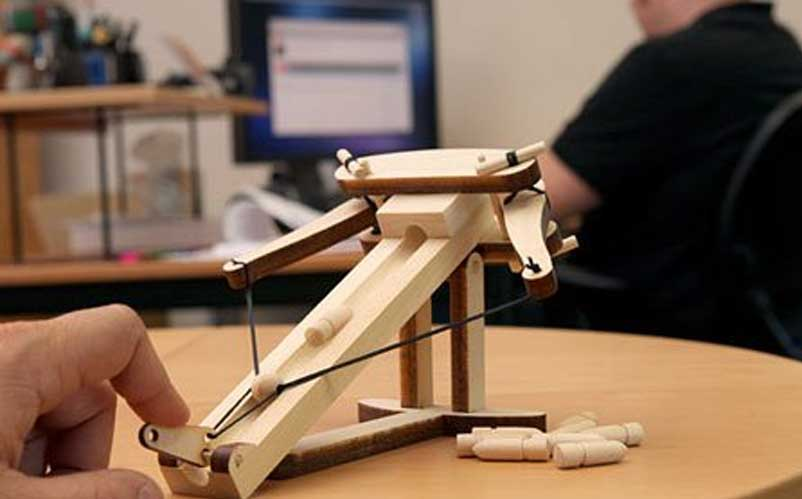 ballista desk toy