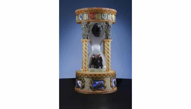 Hourglass Musical Water Globe
