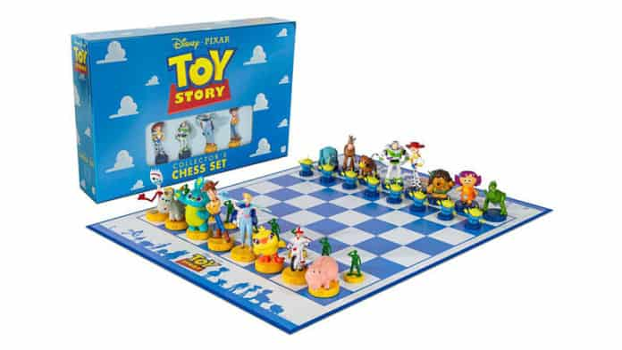 toy story 4 chess set