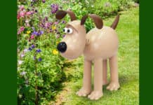 gromit garden sculpture